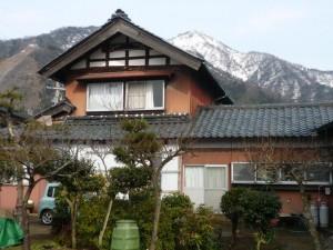 福井震災の後に建てられた典型的な福井の家造りです。